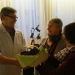 Auch Jubilar Wolfgang erhielt ein schönes Geschenk.