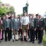 Eine Abordnung mit einem Teil der Könige nahm bei der Fahnenweihe anlässlich 90 Jahre Gau Landshut teil, darunter Vier von den Altschützen Velden.