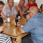Gemeinsames Weißwurstfrühstück im Schützenheim nach dem Aufbau für Sommerfest.