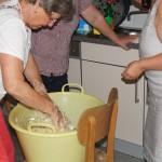 Vorbereitung des Weißkrautsalates