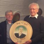 Jubiläumsscheibe zum 70jährigen Geburtstag von Josef Reiter (links) und Gewinner Albert Lohmeier