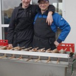 Dreamteam am Grill: Moaster Lukas (li.) und Geselle Andi (re.)