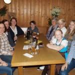 unsere Teilnehmerinnen: Marlene, Nicole, Constance, Ruth, Severin der Hahn im Korb, Rosemarie, Theresa, Marie, Lisa - nicht im Bild sind Brigitte und Laura