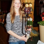 Beste der Altschützen: Lisa als Viertplatzierte mit ihrem Preis.
