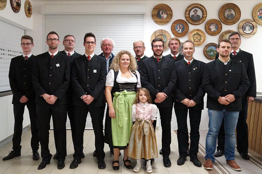 Die neu gewählte Vorstandschaft der Altschützengesellschaft Velden/Vils für die Amtszeit von 2017 bis 2019.