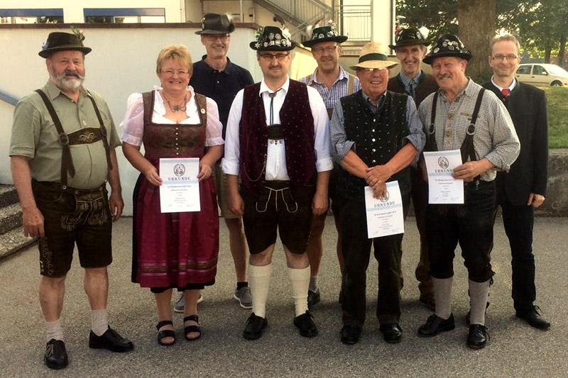 Foto mit einigen Teilnehmern der 26. Gaumeisterschaft Zimmerstutzen Tradition.