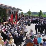 150 Jahre FFW Velden/Vils: beim Festgittesdienst am Feuerwehrhaus