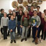 Die Jugendleiter mit den Teilnehmern des Strohschießens 2019. Insgesamt nahmen 20 Jungschützen daran teil.
