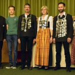 Siegerehrung Gaukönige: (v.li.) Gauschützenmeister G.Franzl, F.Nirschl (Jugend), F.Kiermeier (LP), S.Brauner (LG Damen), W.Frey (LG Herren), Gaudamenleiterin A.Zehentbauer