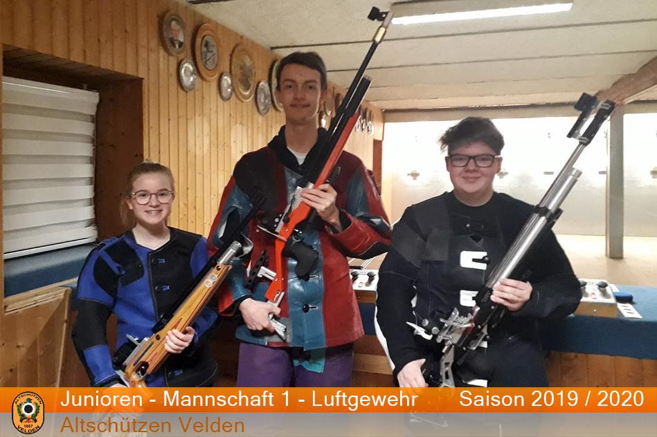 Die Juniorenmannschaft der Altschützen Velden im Rundenwettkampf Saison 2019/2020: M.Seidl, M.Waitl, L.Kuhn